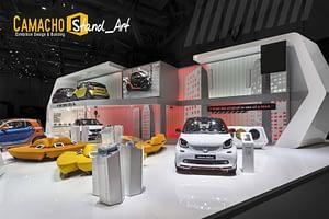El diseño de exposición en exhibiciones de coches